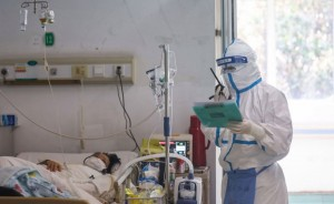Nurses in close contact with infected patients in China (As of April 20, there have been 82,747 cases and 4,632 deaths across China)